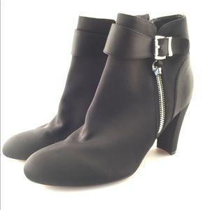 NWOT Unisa Rowen Black Heeled Ankle Boots